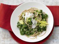 Whole-Grain Pasta with Green Sauce recipe