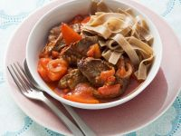 Whole-wheat Pasta with Beef and Bell Pepper Tomato Sauce recipe