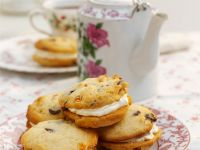 Whoopie Pies with Fruit recipe