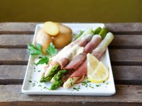 Wrapped Asparagus with Hollandaise and Potatoes recipe