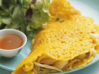 Yellow Rice Crepes with Shrimp Filling recipe