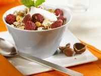 Yogurt, Granola and Raspberry Parfaits recipe