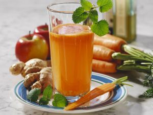 Apple and Carrot Juice with Ginger recipe