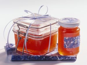 Apricot and Redcurrant Jelly recipe