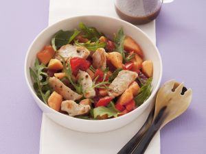 Arugula Salad with Papaya and Chicken Strips recipe