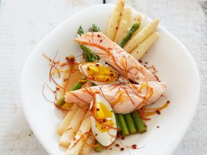 Asparagus with Salmon and Eggs recipe
