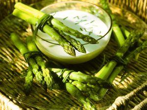Asparagus with Yogurt Dip recipe