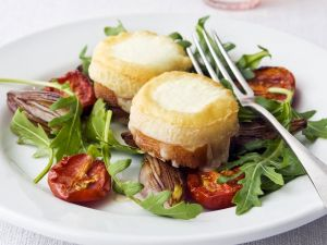 Baked Goat Cheese with Arugula recipe