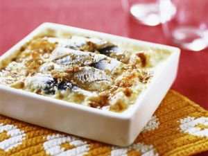 Baked Herring with Potatoes and Cheese recipe