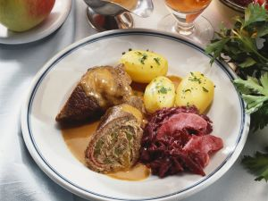 Beef Roulade with Red Cabbage and Potatoes recipe
