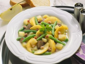 Beef Stew with Green Beans and Apples recipe