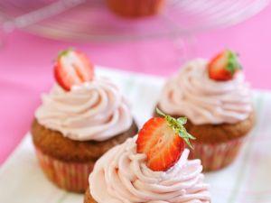Berry Buttercream Cakes recipe