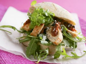 Bread with Chicken Breast and Arugula recipe