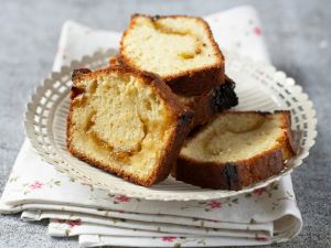 Cake with Mirabelle Plum Jelly recipe