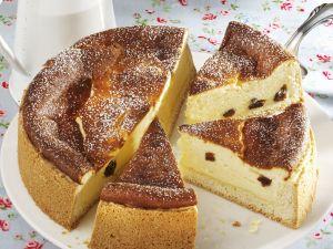 Cheesecake with Lemon and Raisins recipe