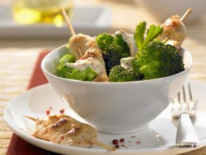 Chicken Skewers with Sesame Seeds and Broccoli recipe