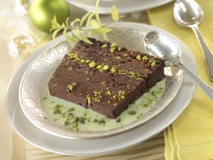 Chocolate Cake with Pistachios recipe