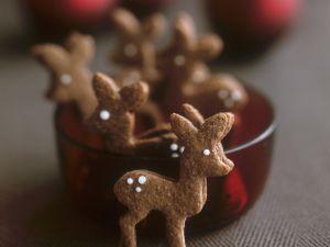 Festive Spiced Deer Cookies recipe