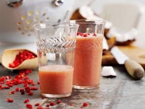 Coconut Smoothie with Strawberries recipe
