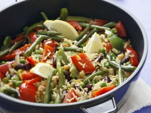 Colorful Rice with Bell Peppers and Green Beans recipe