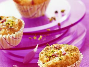 Cranberry Muffins with Pistachios recipe