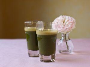 Cucumber and Kale Juice recipe