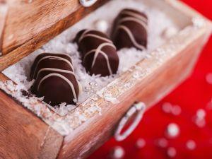 Dark and White Chocolate Bites recipe