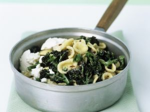 Ear-shaped Pasta with Broccoli and Soft Cheese recipe