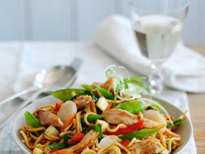 Egg Noodles with Chicken and Vegetables recipe
