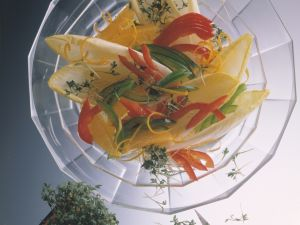 Endive Salad with Orange and Bell Peppers recipe