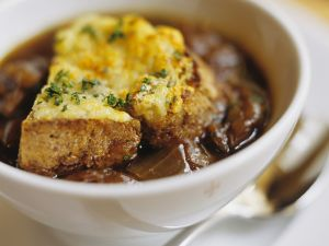 French Onion Soup with Red Wine recipe