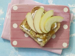 Fresh Fruit Toast with Quark recipe