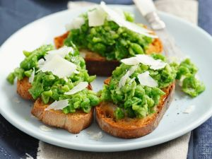 Garden Pea Toasts recipe
