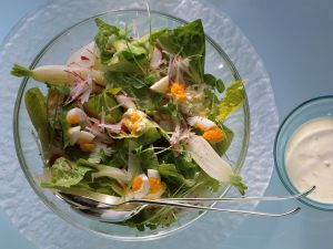 Green Salad with Radishes and Eggs recipe
