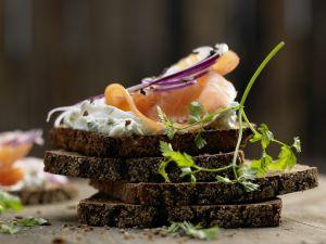 Hearty Smoked Salmon Sandwiches recipe