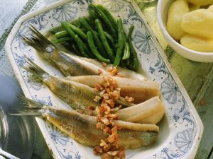 Herring with Bacon and Green Beans recipe