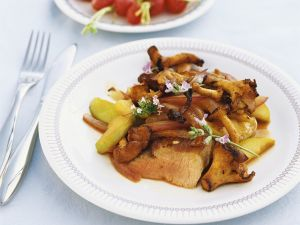 Lamb Fillet with Mushrooms and Apples recipe