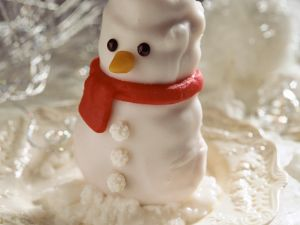Marzipan Snowman Cakes recipe