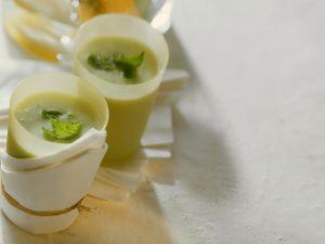 Mild Avocado and Lemon Balm Drink recipe
