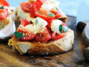 Mozzarella and Tomato Toasts recipe