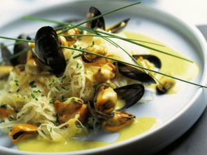 Mussels and Sauerkraut with Port Wine Sauce recipe
