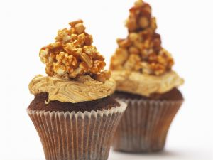 Nut Brittle with Cupcakes recipe