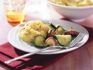 Onion Mashed Potatoes with Vegetables recipe