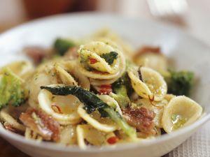 Pasta with Broccoli and Prosciutto recipe