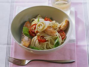 Pasta with Salmon and Cherry Tomatoes recipe