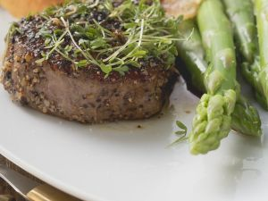 Peppercorn-Crusted Steaks with Asparagus recipe