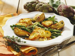 Potatoes with Artichokes and Green Beans recipe