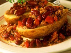 Potatoes with Chili Con Carne recipe