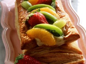 Puff Pastry with Cream and Fruits recipe
