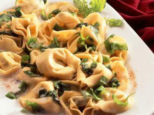 Quick Tortellini with Cheese Sauce recipe